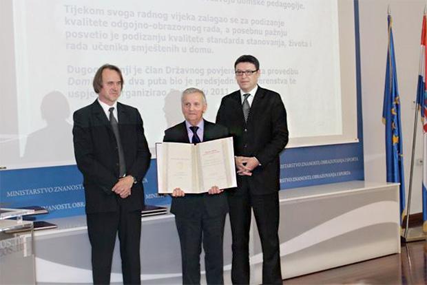 Stjepan Brlas (u sredini)