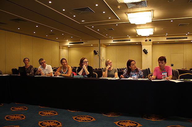 ruske stranice za upoznavanje u cipru izlazi 5 godina starija žena