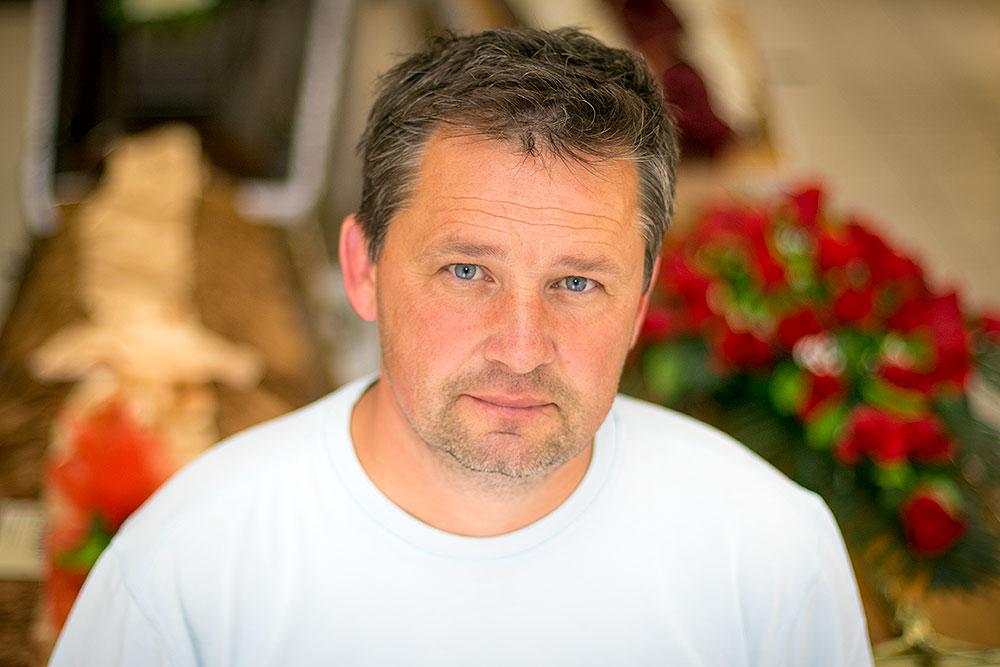 Trubač Mario Kolarević u centru Virovitice otvorio salon pogrebne opreme!